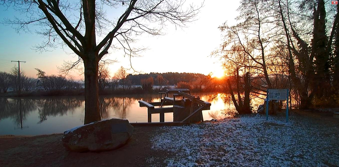Sunrise at the water wheel near Hausen